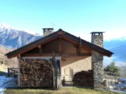 Legnaia: Giardino anteriore in stile  di Moroni Architettura 2.0 - Davide Moroni Architetto