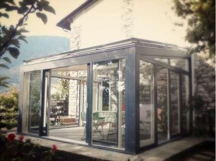 Serra bioclimatica (1 di 2): Giardino d'inverno in stile in stile Moderno di Moroni Architettura 2.0 - Davide Moroni Architetto