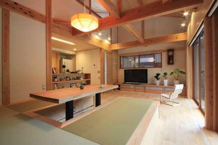asian Living room by 田村建築設計工房