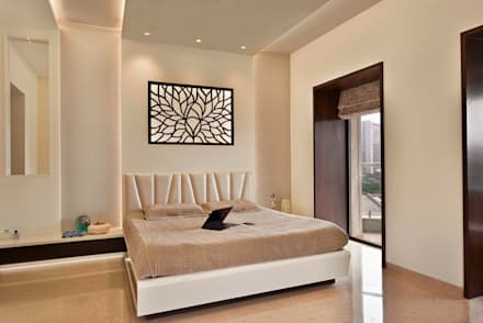 4BHK APARTMENT AT BKC: minimalistic Bedroom by Ar. Milind Pai