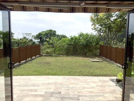 施工前:  庭院 by 大地工房景觀公司
