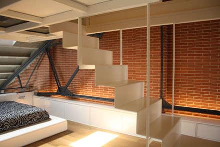 Sucre A4: Escaleras de estilo  de ESTUDIO DE CREACIÓN JOSEP CANO, S.L.