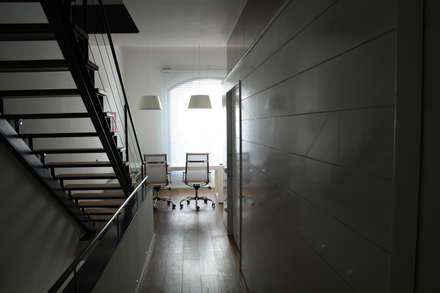 Sucre A4: Estudios y despachos de estilo industrial de ESTUDIO DE CREACIÓN JOSEP CANO, S.L.