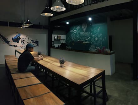Bar Area lantai 1A:  Bar & Klub  by ARAT Design