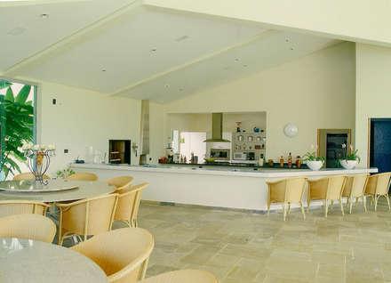 Projeto CG: Terraços  por AM arquitetura e interiores