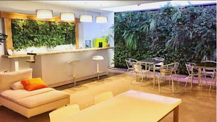 Decoración de jardines verticales: Espacios comerciales de estilo  de Verdtical Ecosistemas