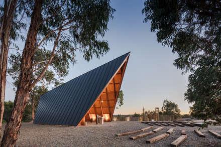 سقف جمالون تنفيذ Plano Humano Arquitectos