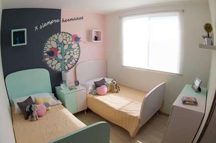 Habitación hermanas : Habitaciones de niñas de estilo  de loop-d