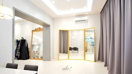 Yunita Lim Couture - Fitting Area:  Commercial Spaces by studioalo