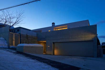 Nhà để xe/Nhà kho by アトリエモノゴト 一級建築士事務所