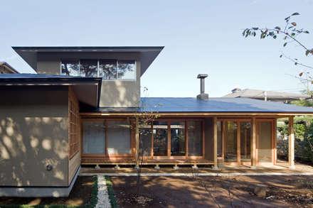 暮らしを楽しむ家: 小町建築設計事務所が手掛けた木造住宅です。