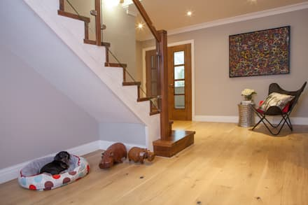 East Horsley:  Stairs by Tailored Interiors & Architecture Ltd