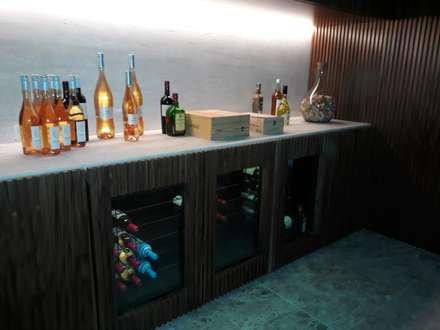 Ruang Penyimpanan Wine by Edr Cristal - Adegas Climatizadas