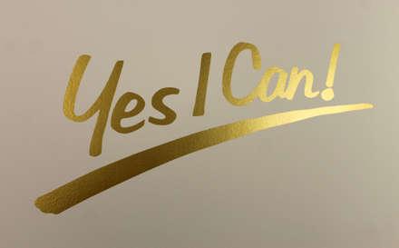 """Schriftzug """"Yes I Can!"""" gold:  Hotels von Smallgarden Design"""