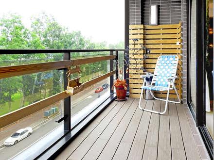 Terrazas de estilo  por 築室室內設計