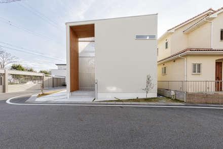 ウッドゲートの家: 一級建築士事務所 株式会社KADeLが手掛けた木造住宅です。