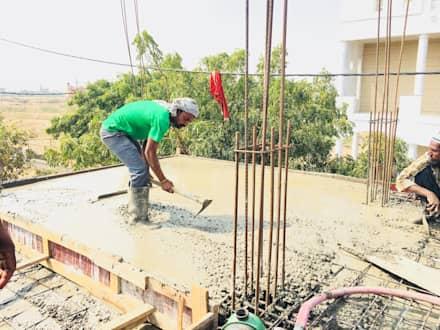 Casting Of RCC Slab:  Multi-Family house by Cfolios Design And Construction Solutions Pvt Ltd
