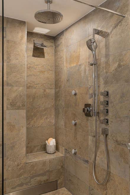 Die Bodengleiche Dusche Lässt Das Herz Höher Schlagen.: Moderne Badezimmer  Von Banovo GmbH