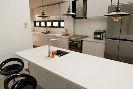 Moonstone Quartz Kitchen Countertop in Carmen, Cebu: modern Kitchen by Stone Depot