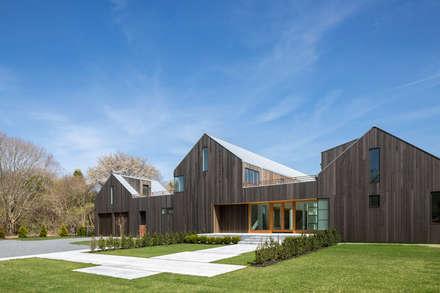 Seaview   Garden: Casa di legno in stile  di GD Arredamenti