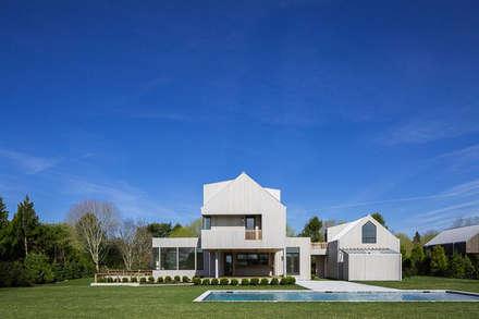 Seaview | Garden: Villa in stile  di GD Arredamenti