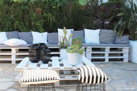 Casa playa Cambrils: Jardines de estilo mediterráneo de Neus Conesa Diseño de Interiores
