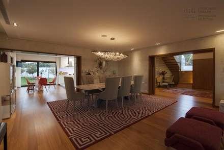 Sala de Jantar: Salas de jantar modernas por VON HAFF Interior Design