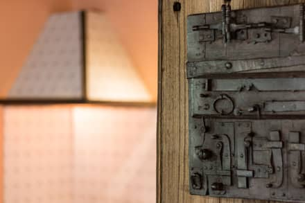 أبواب خشبية تنفيذ Andrea Chiesa è Progetto Immagine