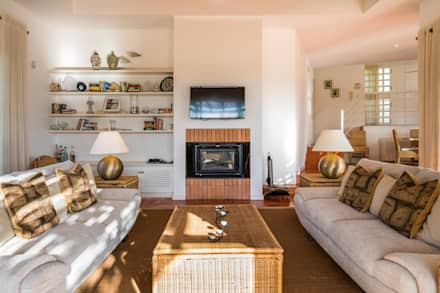 sala de estar: Salas de estar campestres por Zenaida Lima Fotografia