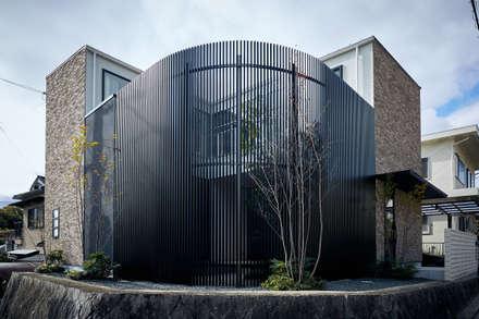 Detached home by 一級建築士事務所 株式会社KADeL