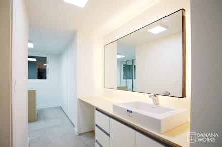 압구정 현대 아파트 인테리어 리모델링(52py): 바나나웍스의  드레스 룸