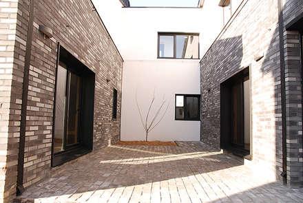 Mehrfamilienhaus von 디자인랩 소소 건축사사무소