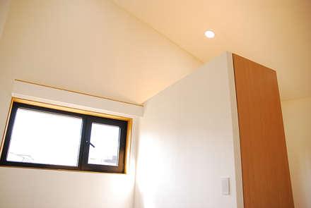Ventanas para sótanos de estilo  de 디자인랩 소소 건축사사무소