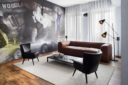 Salas de entretenimiento de estilo industrial por Riccardo Gasperoni Fotografo