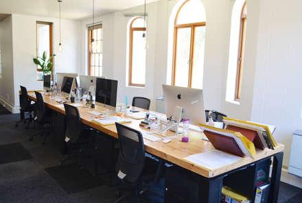 Office Interior renovation:  Office buildings by ILTORO DESIGN