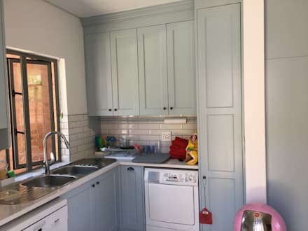 Pantry:  Built-in kitchens by Nick and Nelly Kitchens