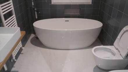Ristrutturazione Chianciano: Bagno in stile in stile classico di Cioci Ristrutturazioni S.r.l.