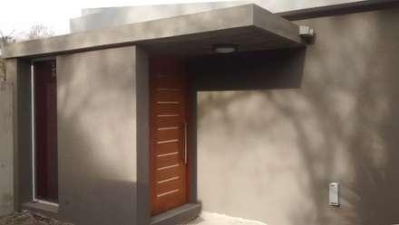 Puertas de madera de estilo  de Arquitectura Bur Zurita