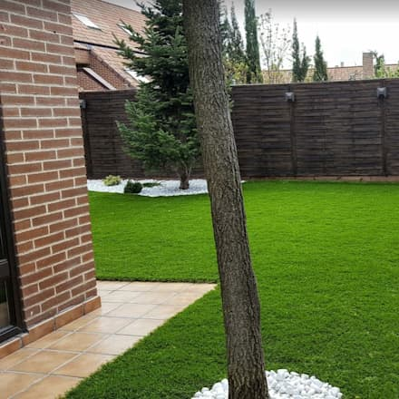 riegos de refresco por dispersión, completamente ocultos: Jardines de estilo moderno de paisajistas y jardineros