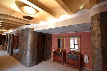 Saunas de estilo  por Obras y Proyectos Zen SL