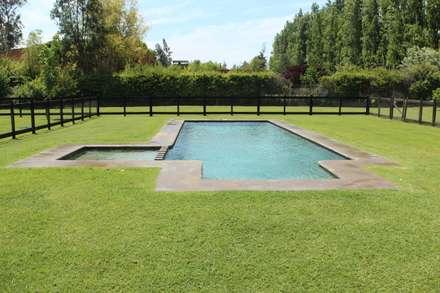 Jardín Ingles: Jardines de estilo rural por Naturalgreen