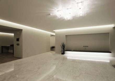 Living room: kimapartners co., ltd.의  거실