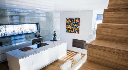 Küche:  Küchenzeile von Studio Meuleneers