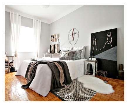 Contemporary industrial room: Quartos industriais por RG Home Stylist