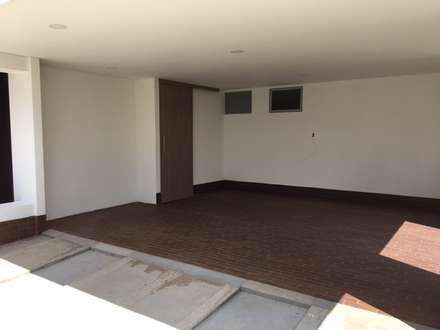 Garajes ideas dise os y decoraci n homify for Garajes modernos interiores