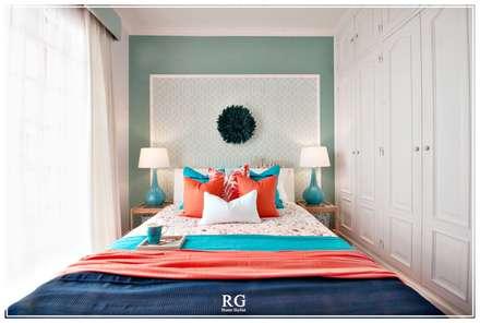 Coral & Turquoise paradise: Portas  por RG Home Stylist