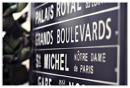 Travelling Memories: Corredores e halls de entrada  por RG Home Stylist