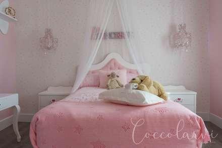 Vivienda Unifamiliar: Dormitorios infantiles de estilo minimalista de Coccolarvi