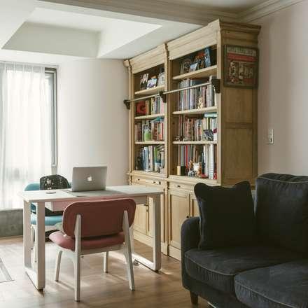 Oficinas de estilo  por 大觀創境空間設計事務所