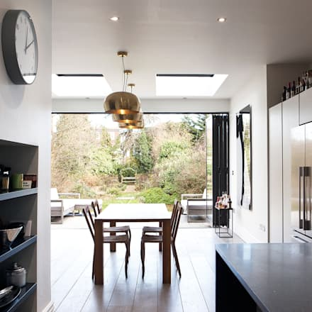 Mid Century Chic:  Built-in kitchens by Moxy & Co Studio